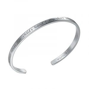 "SOLOCUTE Bracelet Femme Gravé ""A Mother Holds Her Childs Hand For a Short While And Their Hearts Forever"" Inspiration Manchette Bijoux de la marque Solocute image 0 produit"