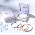 "SOLOCUTE Bracelet Femme Gravé ""The Love Between A Mother and Daughter Knows No Distance"" Inspiration Manchette Bijoux de la marque Solocute image 5 produit"